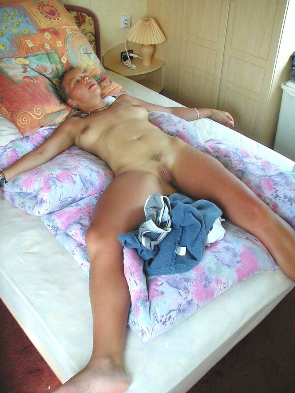Naked women sleeping videos — pic 12
