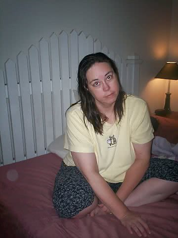 Brenda-Wilcox-Yellow-Shirt-Saggy-Tits-4.jpg