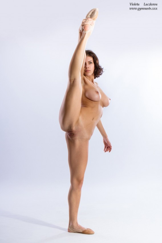 Perfect-Stretching-Vertical-180.jpg