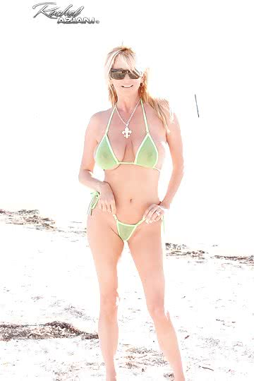 Rachel-Aziani-Busty-blonde-MILF-RA-strips-bikini-at-the-beach-to-pose-in-the-sand-05.jpg