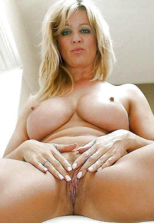 bbw-mature-naked-blonde-pussy-clip-nude
