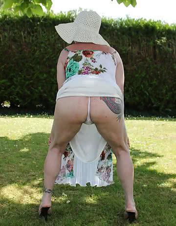 Mary-Hairy-Mature-Slut-3.jpg