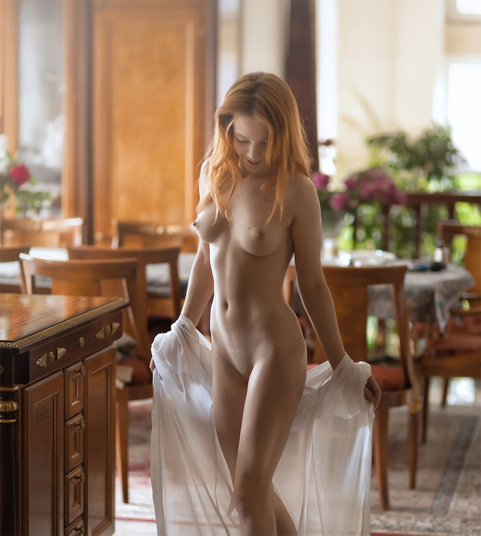 professional-russian-photographer-pavel-kiselev-captures-sensual-nsfw-female-pictures-30.jpg