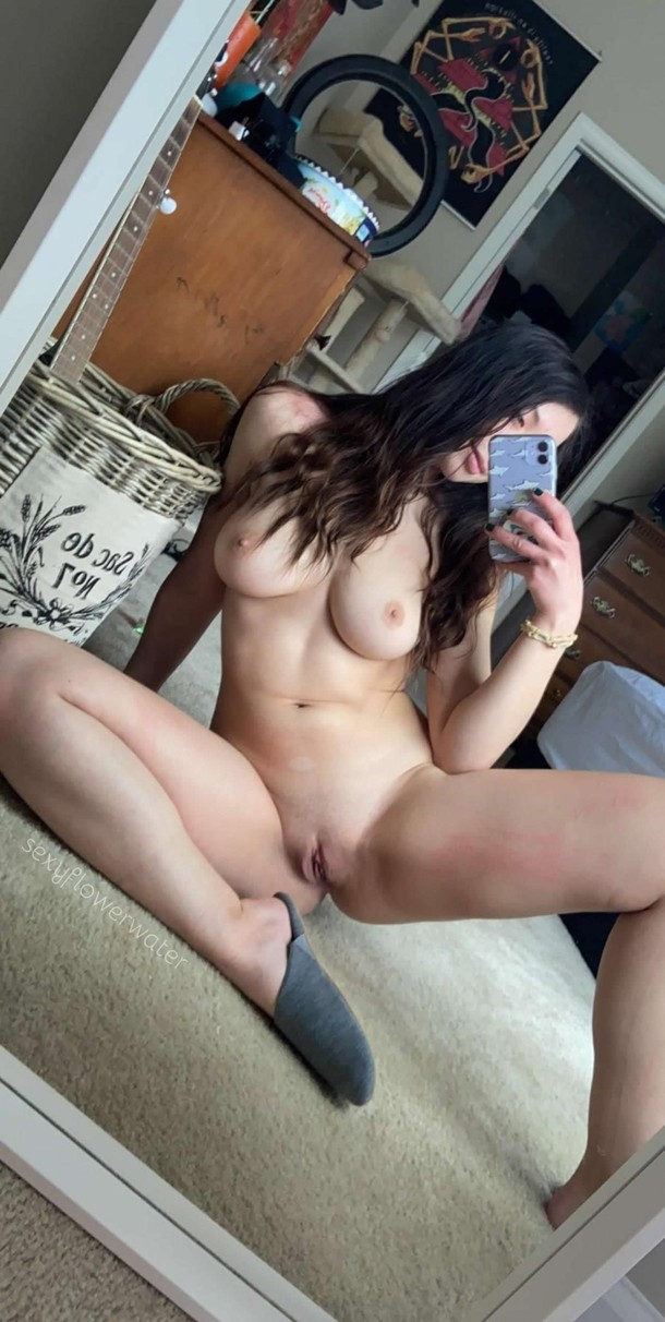 im hungry anyone want to come give me a creampie 2546076